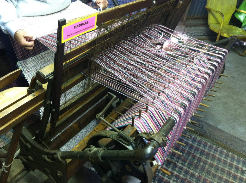 loom-with-lots-of-moving-parts